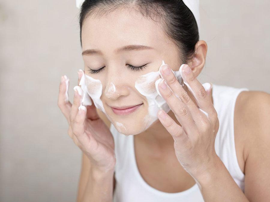 5 recepata sa sodom bikarbonom za blistavu kožu: Piling lica koji otklanja nečistoće i akne, kao i staračke pege! - Ljepota i zdravlje