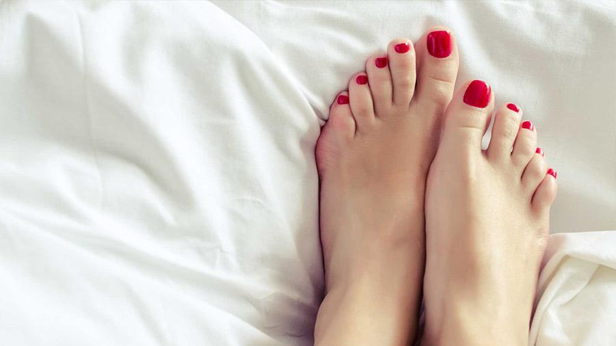 Beauty hack nakon tuširanja: Sušenje noktiju fenom - COSMOPOLITAN