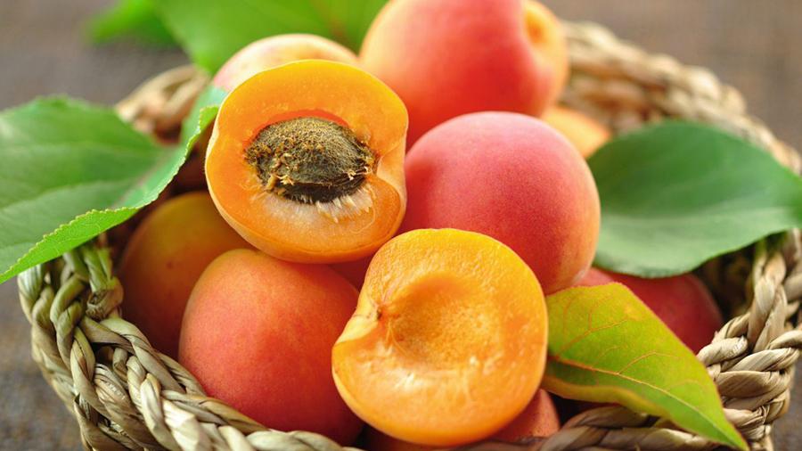 Ovo voće ima neverovatna lekovita svojstva: Čuva vid, srce i kosti, pomlađuje kožu i topi salo! - Ljekovito bilje